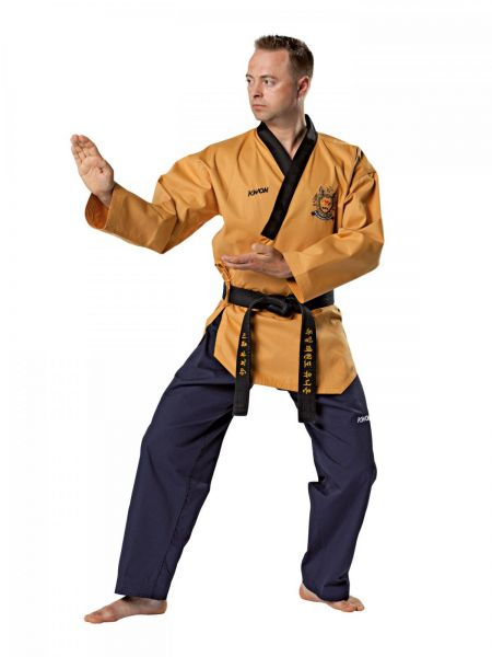 KWON Poomsae Grandmaster Anzug mit World Taekwondo Anerkennung